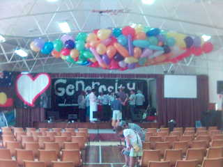 balloons_at_church.jpg