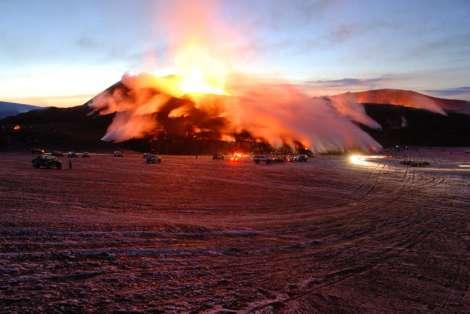 Iceland's Eyjafjajokull volcano - 7 April 2010